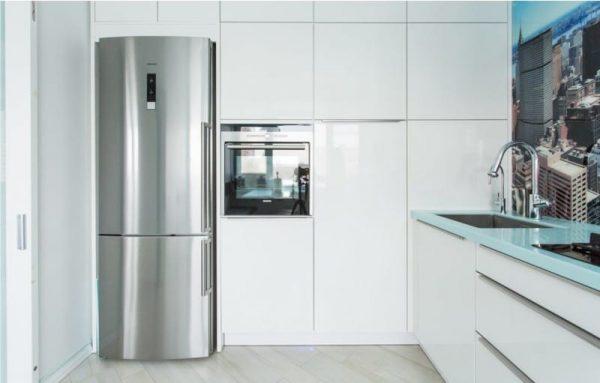 Белая кухня в интерьере: идеи дизайна, выбор стиля, реальные фото