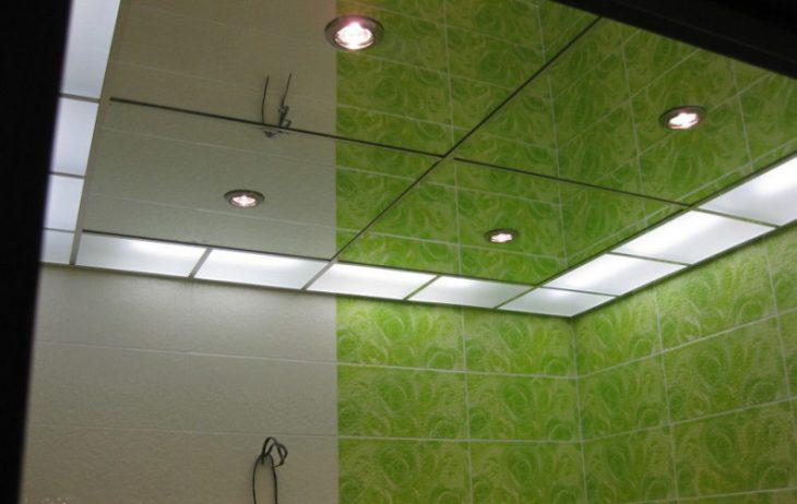 Дизайн потолка в ванной комнате