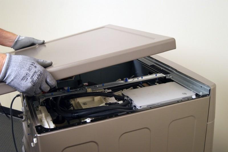 Как снять верхнюю крышку стиральной машины? в фото