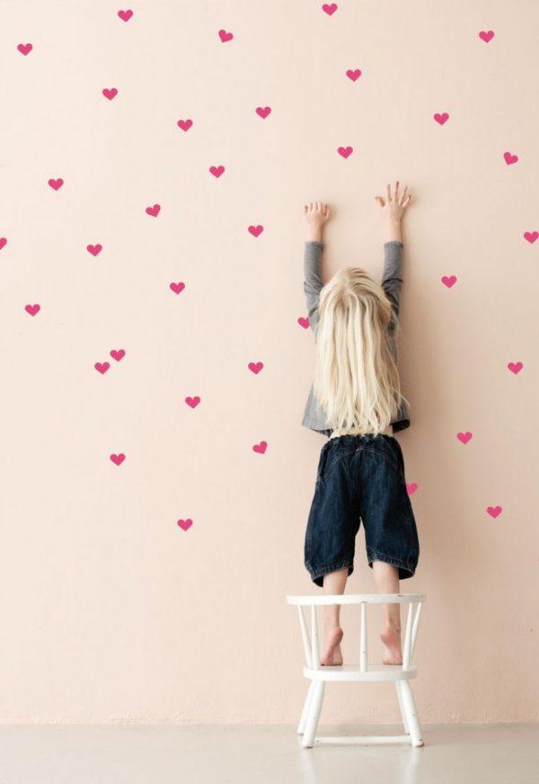 Как украсить детскую комнату своими руками: выбор рисунка и все нюансы росписи