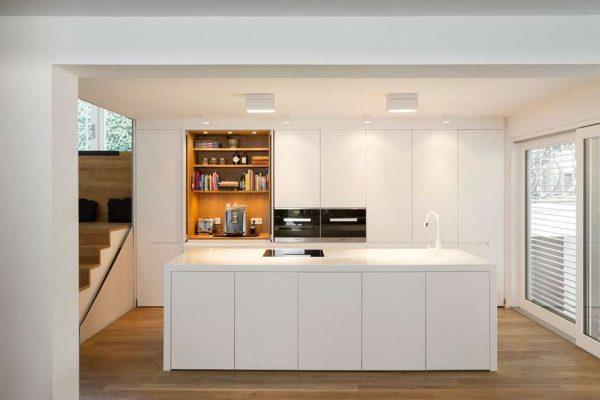 Кухня в стиле хай-тек: особенности стиля, фото примеров интерьера