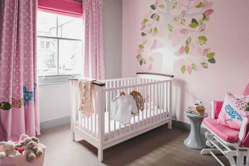 Наклейки в детскую: декорируем стены в комнате ребенка