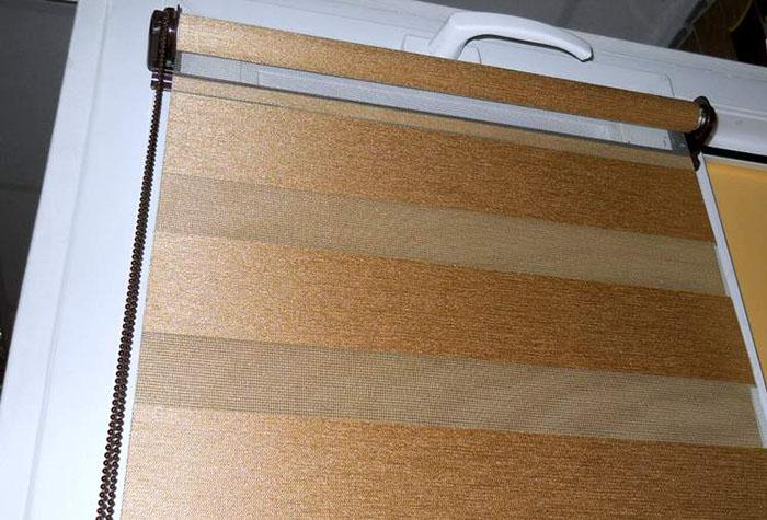 Рулонные шторы «зебра» – современная альтернатива светофильтрам в фото