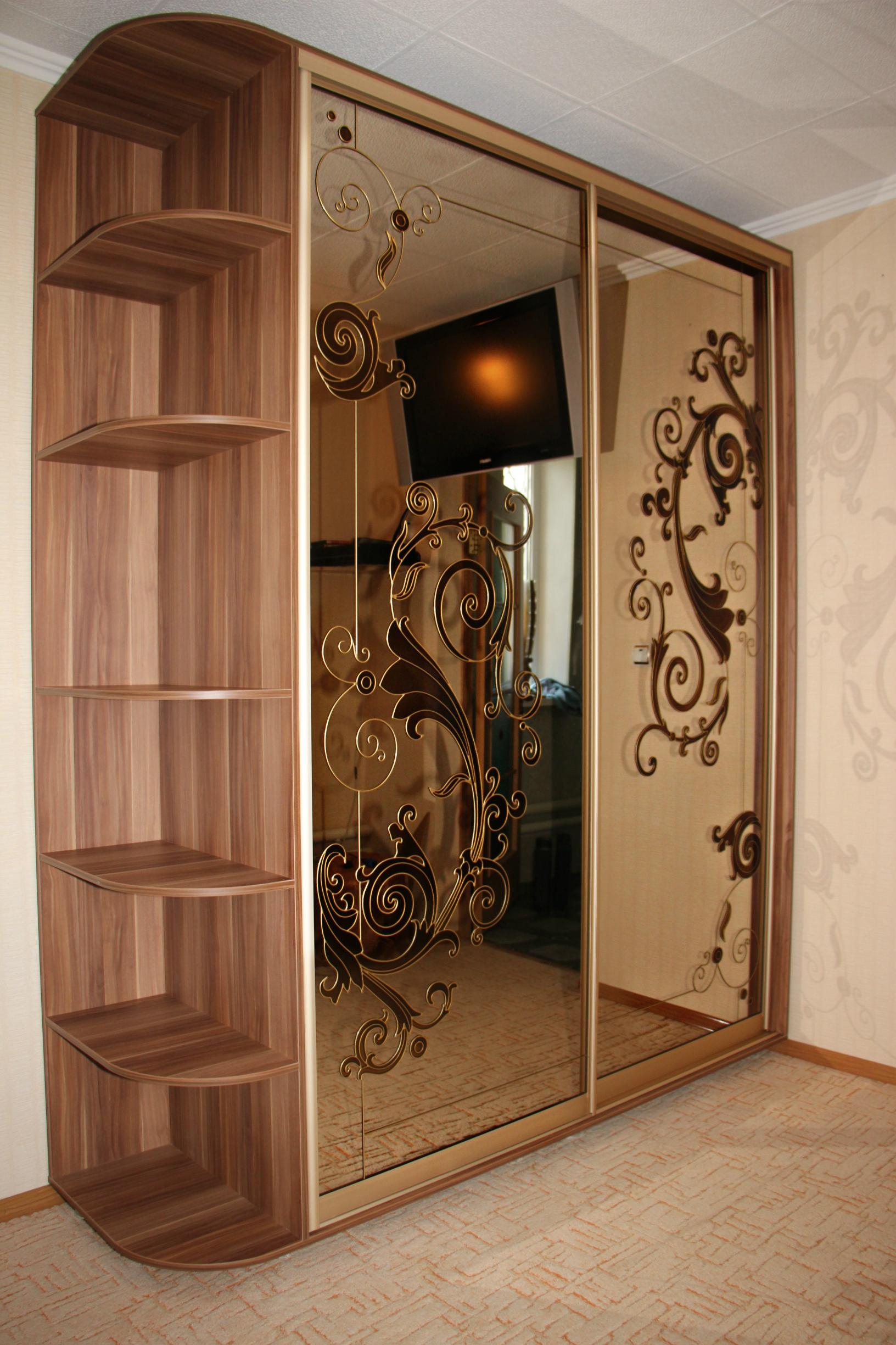 Шкаф встроенный или корпусный: выбираем оптимальный вариант