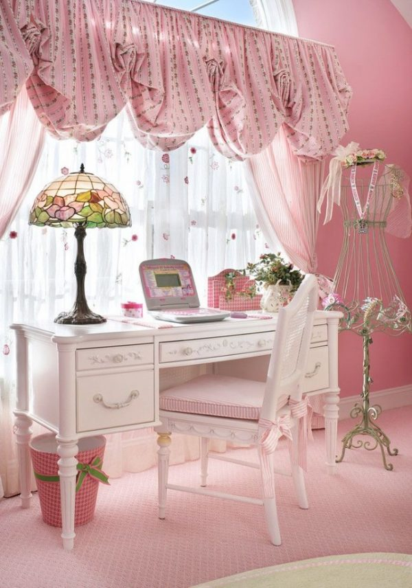 Шторы в детскую комнату — требования, типы, расцветки, фото в интерьере