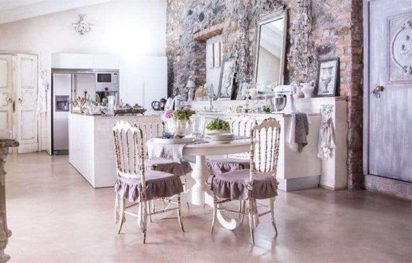 Сиреневая кухня — особенности дизайна, выбор стиля, сочетания с другими цветами, фото
