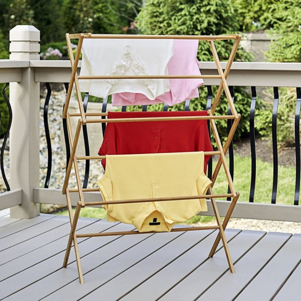 Вешалка на балкон: инструкция по установке и советы правильного выбора (60 фото)