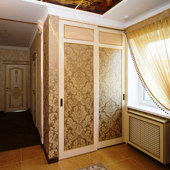 Встроенный шкаф в прихожую — фото дизайна, идеи оформления фасада
